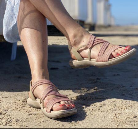 Skechers sandal med elastikker lyserød