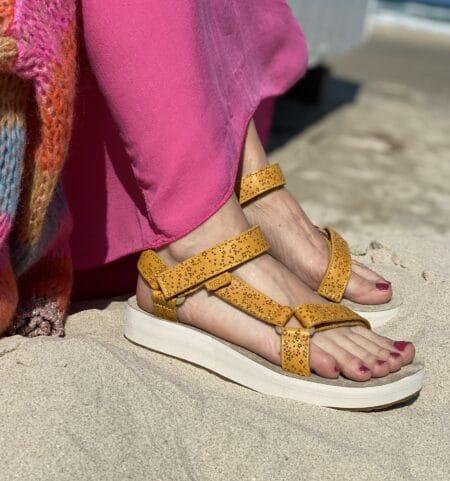 Teva midform universal star gule trekkingsandaler plateau sandal blokhus blokhus strand