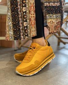 Woden - Nora Plauteau autum blaze gul sneakers