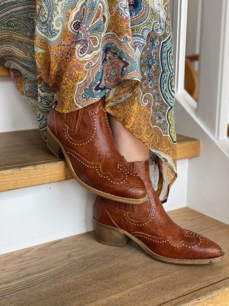 cowboy støvle med nitter brun cognac pavement