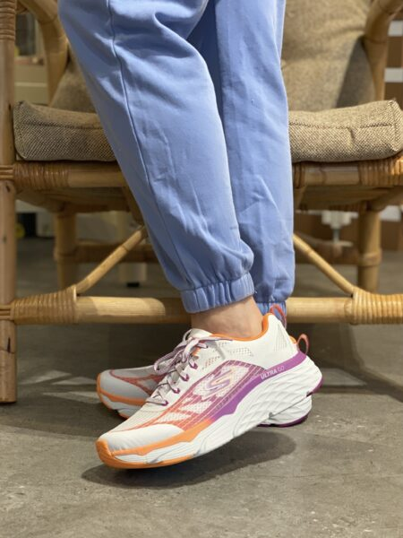 Skechers Max Cushioning elite even stride White Orange