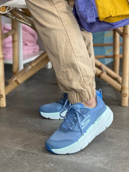 Skechers max cushioning blu lysblå