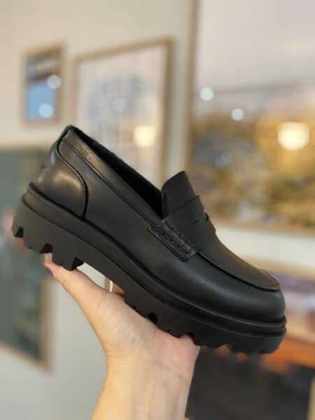 Pavement Loafer Amaya Black 20.318