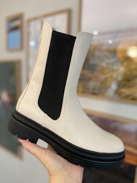 Tamaris 25452 hvid hvid støvle med elastik i siderne