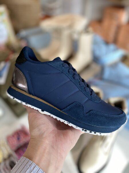 woden nora III marineblå navy sneakers med kork sål